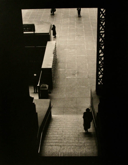 undr:  Larry Silver Lower Level Staircase, Penn Station. 1951