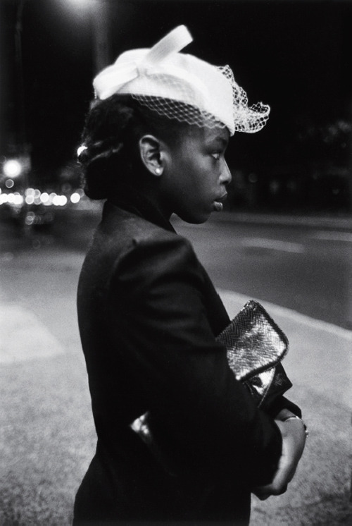 vintagegal:  Harlem, New York City 1940. Photo by Martine Barrat