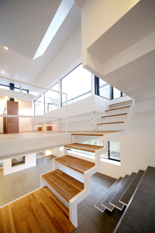 ilikearchitecture:   House in Senri via Architecture Blog   Some houses are just giant 'fuck you's to wheelchair access.