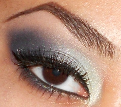 Easy Light to Dark Blue Eyeshadow Tutorial (click pic for tutorial) http://www.youtube.com/user/makemeupbywhitney http://makemeupbywhitney.tumblr.com/