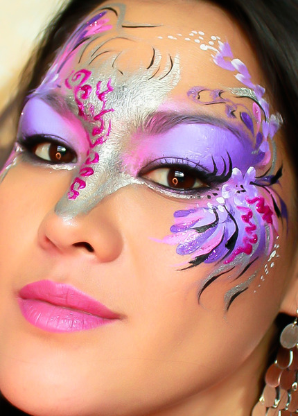 What a gorgeous mask by Rochelle M.!