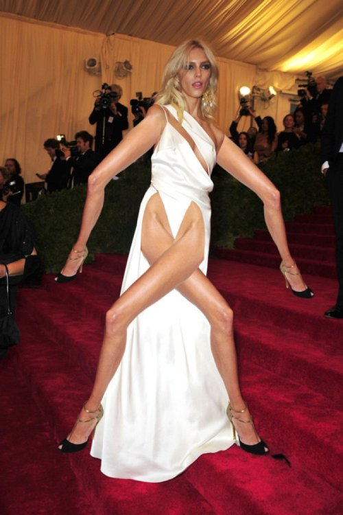 In Case You Missed It: Anja Rubik's Limbs are All Legs  Well, I guess this was inevitable, but it's still horrifying to see it. See the original version via link below.