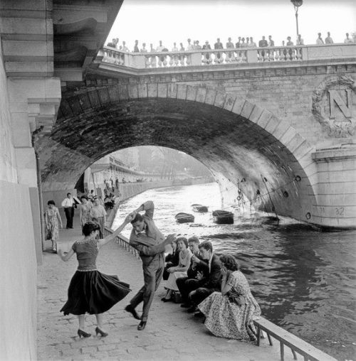 luzfosca:  Paul Almasy Rock'n'Roll sur les Quais de Paris, 1955