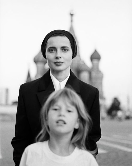 Isabella Rossellini and daughter, Elletra WiedemannMoscow, 1990 photographer unknown