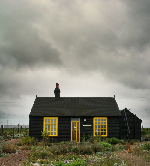 cabinporn:  Derek Jarman's cottage in Dungeness, Kent, England. Submitted by Paul McNeil.