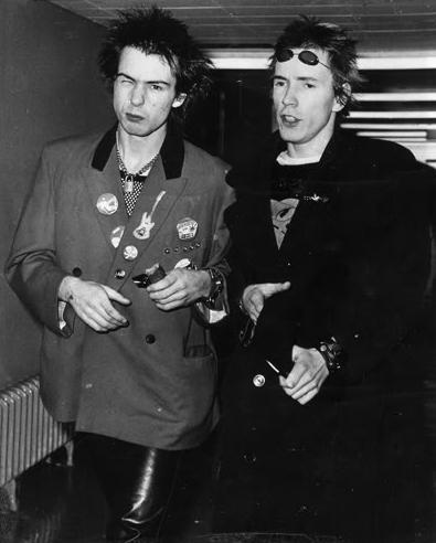 Sid Vicious and Johnny Rotten, in 1977. Photo by Bob Gruen.