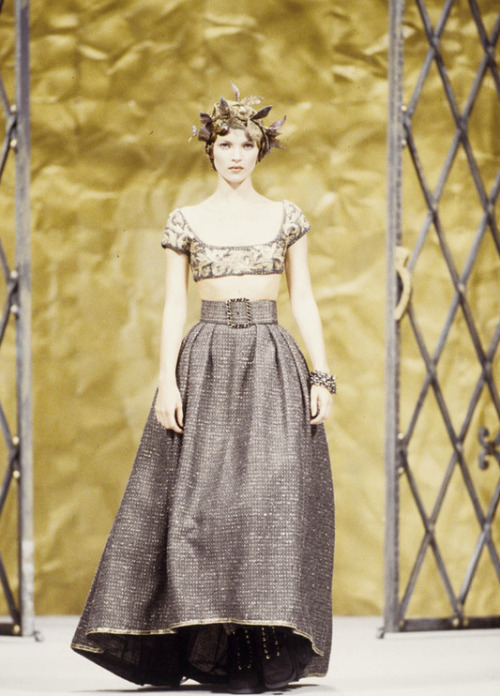 hautekills:  Kate Moss at Chanel haute couture f/w 1993