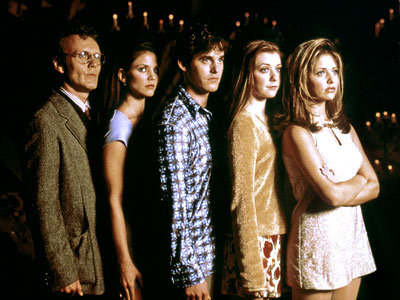 dreamingissfree:    How young they were! Buffy was more chubby, I like that. Cordelia was so sexy, Willow was a table with no breasts and her hair was long (I loved her long hair), Xander was a child and Giles had hair!