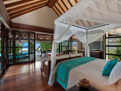 micasaessucasa:  Maldives: Four Seasons Resort