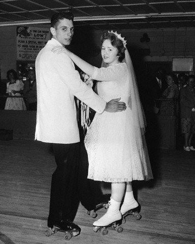 Rollerskating newlyweds