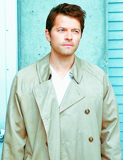 mishasminions:  GODDAMN ATTRACTIVE CRAZY ANGEL
