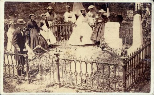 tuesday-johnson:  ca. 1864-65, [carte de visite of mourners at grave of Gen. T.J. (Stonewall) Jackson. Lexington, VA] via the Missouri History Museum