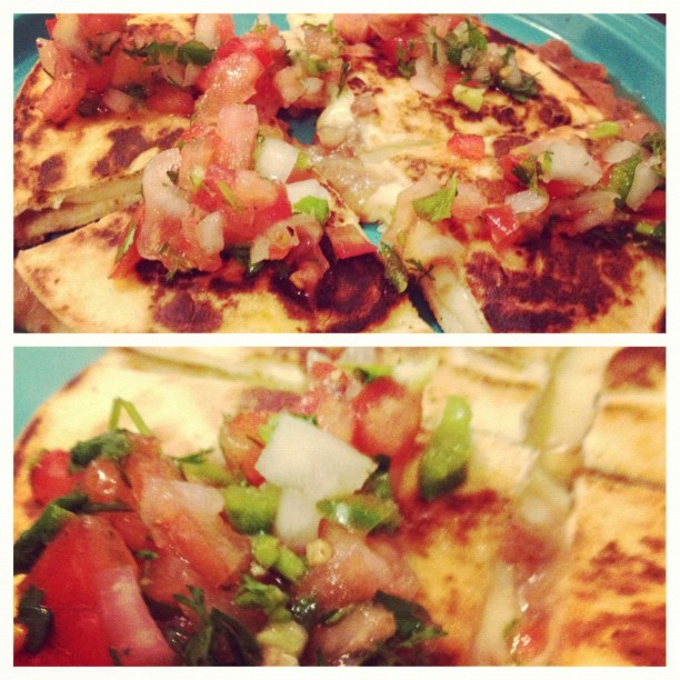 Let me tell you something about @sal_s moms quesadilla recipe #mexicanfood #LA  (Taken with instagram)