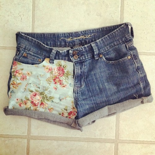 After seeing shorts like is all over tumblr, I fell in love!  All I did was glue some fabric to a pair of jeans that I cut a long time ago but didn't like.   -Sydney
