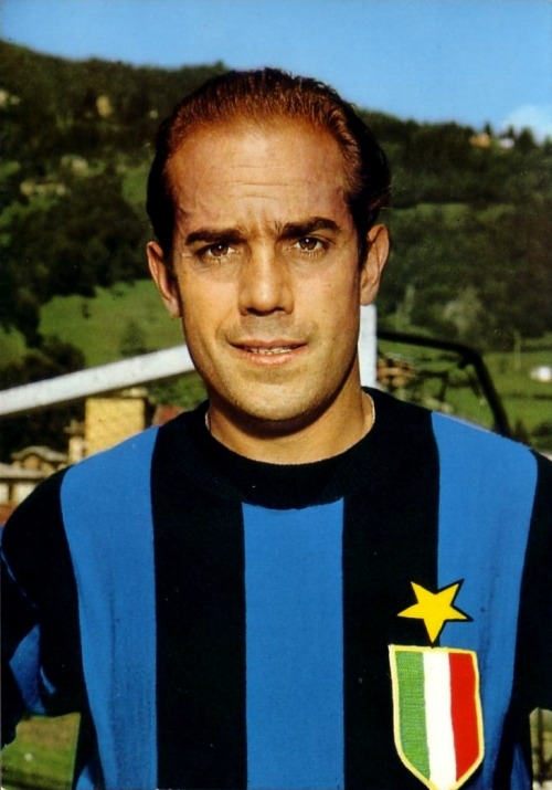 footballarchive:  Luis Suárez, Inter 1960's.Source: Postcard