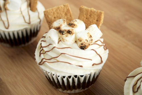 S'More Cupcakes  |  Bake Me Something Good