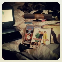 #photoadaymay #day9 #somethingyoudoeveryday #movies #books #read #bed  (Taken with instagram)