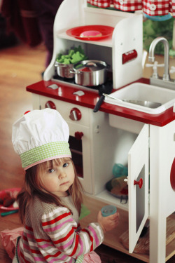 Nanitutu: Mini chef by {Charlotte.Morrall} on Flickr.