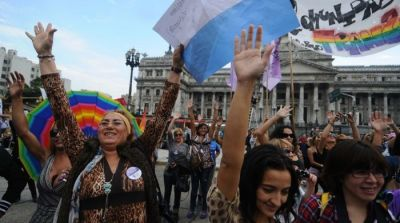 fuckyeahfeminists:  chisagi:   Argentina JUST PASSED a groundbreaking gender identity bill!!! From now on, people will be able to change the name and gender on their ID without needing psychiatric permission or any body modifications. Furthermore, anyone who does want hormones or surgery will be able to access them for free through the public and private health system. It was passed unanimously today by the Senate UNANIMOUSLY  Argentina is just getting more awesome by the year. Countries that aren't Argentina need to take note.  sigh. y so behind, US?