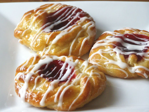 Make vegan danishes! And they don't look that hard, at least according to the genius baker at Maple Spice. Which probably means it's not that hard for like, Jenny but that it's  SUPER HELLA HARD for me but also just medium hard for you. See, because Jenny's a baking genius, I'm an idiot and you're like, just whatever. It's okay, you make up for it in the looks department and that's all that matters! ENJOY!