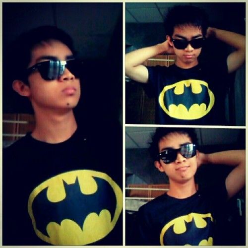 My old pic wearing Batman's shirt. Lols #Batman #DarkKnight #instagood #igersph #igers #me #Hero #pinoy :))) (Taken with instagram)