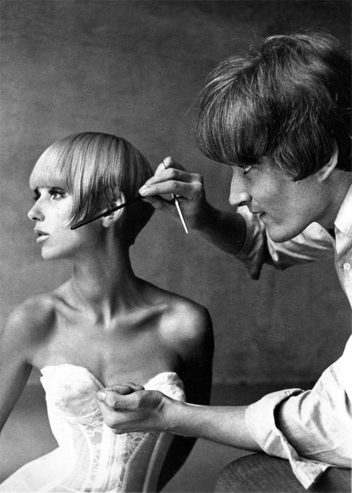 1965: Vidal Sassoon and Ulla Bomser, photographed in New York by Francesco Scavullo  http://www.1972projects.blogspot.com