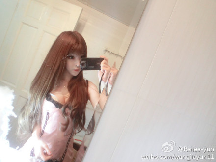"China's ""blow-up"" doll, Renee Wang Jia Yun, is very much like America's ""human Barbie"", Kotakoti. Both are known for their doll-like features. Both photoshop to hell and back (yet denies having ever done so).  Renee Wang posted the following on her Weibo account, along with this video:  我相信每个人照相都会选好的角度 灯光 TRANSLATION: I believe people take pictures in a selected angle and lighting (to look better).  Yes, most people do want to look better in pictures. Yes, lighting and angles do make a big difference in the picture's outcome. However, how do you explain the weird camera shift at the 0:04 mark in your video? In the picture on the left, it is a direct screen-grab from the video. The picture on the right is a picture Renee Wang posted herself. Notice the same outfit and the same general angle. It's simply impossible to have your face shape vastly different (with a longer chin and slimmer jaw…) and your eyes noticeably larger under a ""different light setting"" without the magic tool known as Photoshop. I generally don't have any qualms about people photoshopping their pictures, but I do have issues with people who are rude and mean when asked if there was even a tiny possibility that they ever used photoshop in their photos."