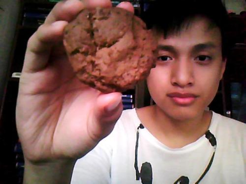 Chocolate Cookies for Merienda! They were salty, sweet, crunchy, and even chewy in the inside!  Its sad that I don't have any chocolate chip in our pantry. So I used Tablea instead.