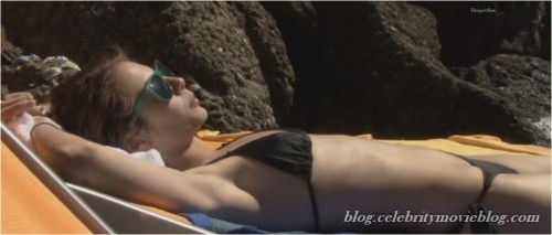 Willa Holland side boob and bikini vidcapsfree nude picturesLink to photo & video: