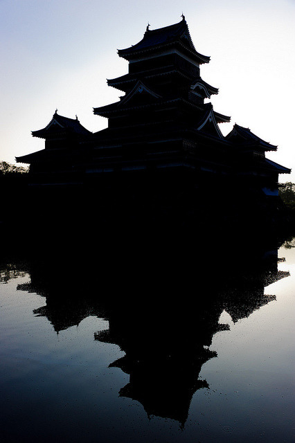 Reflection | Matsumoto Castle by jamesjustin on Flickr.Via Flickr: Stopped by Matsumoto Castle for a few minutes early on Saturday morning. I had driven up to Matsumoto the night before and got over to the castle fairly early (around 5:30am). It was a good time to be there (no other people to speak of) and the light was fairly nice, though as the inner grounds weren't open yet I could only get around to 2 of the 4 sides. I ended up with a lot of back or side lit shots because of this but I'm still happy with what I got. After visiting so many times of the years I'm happy I finally have a few pictures of this place that are my own.