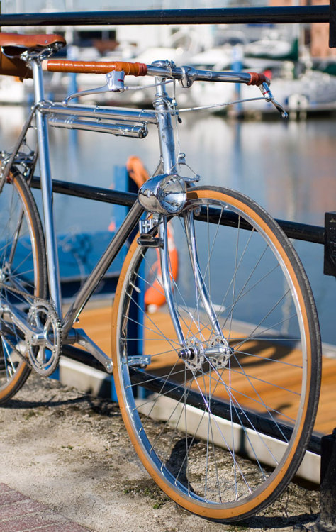 (via detail Town Bicycle)