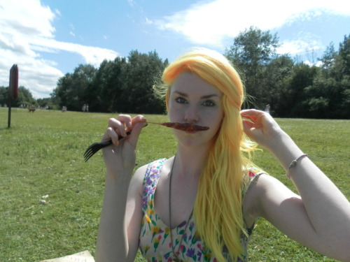lexicakess:  What's better than a moustache?  A moustache made out of bacon :3 Want this hair again!
