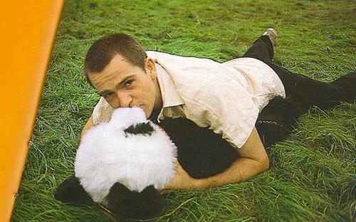 dedicatedfollowerofrock:  I hate you Panda…really xP