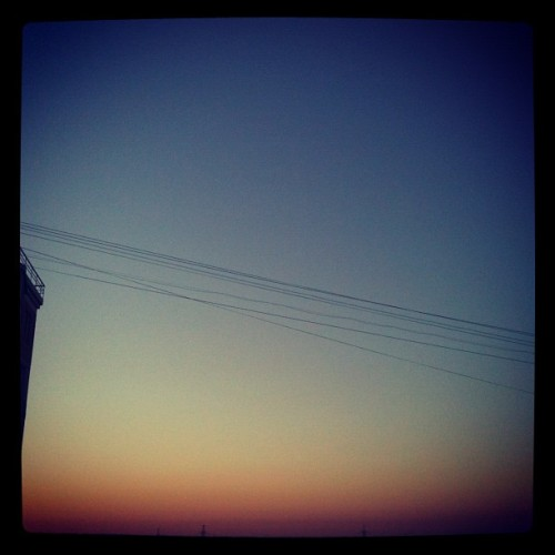 #sky #sunset #window #moscow #evening (Taken with Instagram at Притон «На хмуром движе»)
