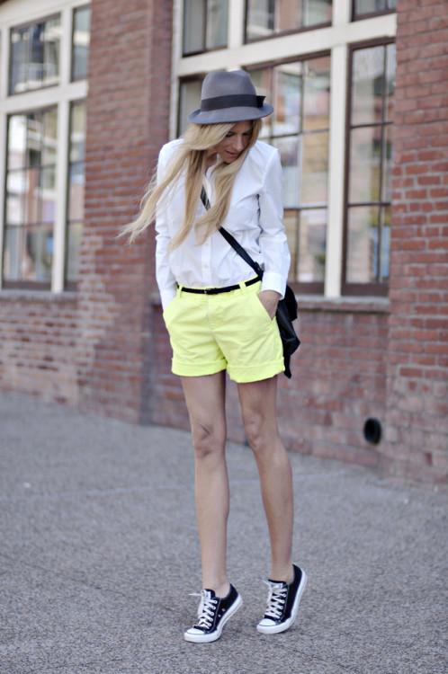 lookbookdotnu:  12-05-10 (by Jennifer Grace)   Damn I need to shop