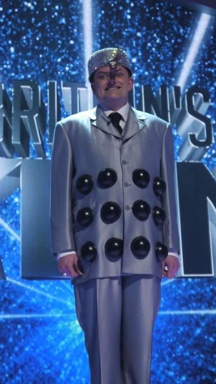 doctorwho:  Martyn Crofts: Dalek Impersonator  Britain's Got Talent  (Gif from the-laughing-girl)