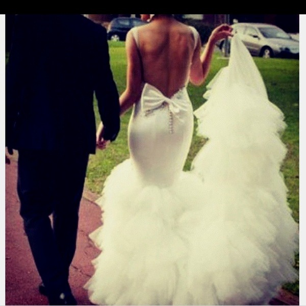 itsjewsee:  my wedding dress is going to look like this i promise lol