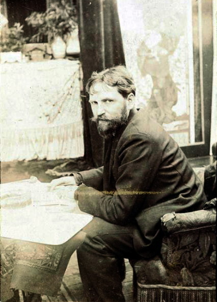 artistandstudio:  Alphonse Mucha in his studio.   Paris, Musée d'Orsay.   via
