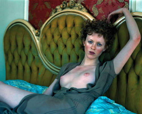 Karen Elson showing her tits and pussyfree nude picturesLink to photo & video: bit.ly/Jh1YXz