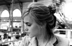 gold-luxe:  view-from-up-here:  emma watson is perfect   i wish i was as beautiful as you Emma.