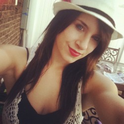 #red #lipstick #feather #hat #summer #blueeyes #instagram #iphone4 (Taken with instagram)