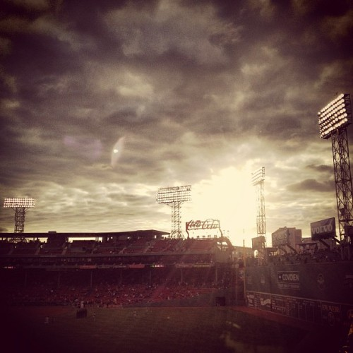 #friendlyconfines #baseball #bostonredsox #redsox #fenway #fenwaypark #iheartboston #instagram #greenmonster (Taken with instagram)