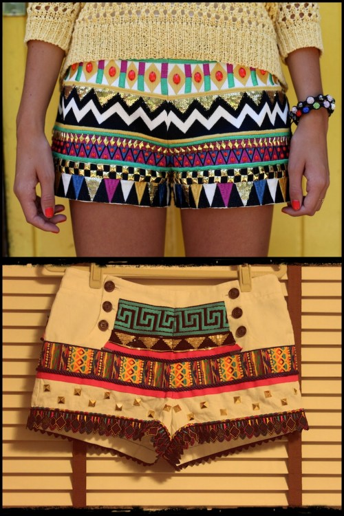 truebluemeandyou:  DIY Sass and Bide All Over Embellished Shorts Tutorial. Top Photo: Jessica Stein of Fellt by Tuula wearing $488 Sass & Bide Shorts here. Bottom Photo: DIY using trim and studs by Taylor and Demolish here.
