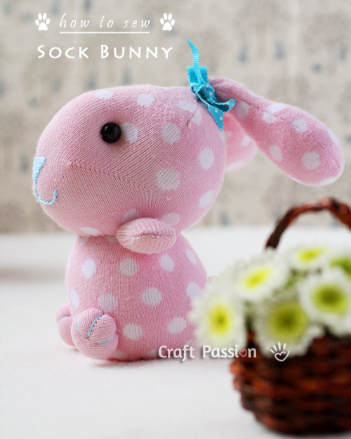 bellalumina:  (via Sew | Sock Bunny | Free Pattern & Tutorial at CraftPassion.com) Sweet little thing…