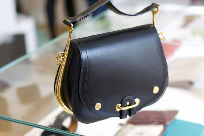 i love this little droplet of a purse…its one of the newest of this seasons collection