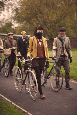 smoketweed:  Tweed Run 2012: London. Respect
