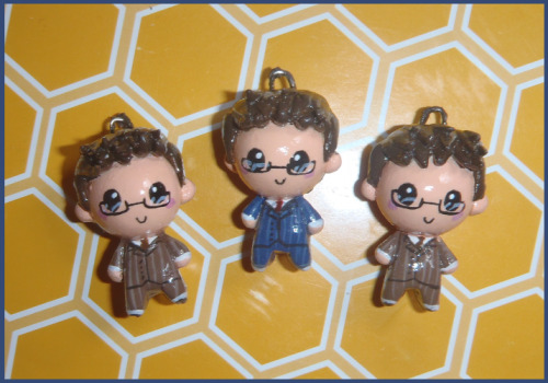 10th Doctor charms! this time with glasses