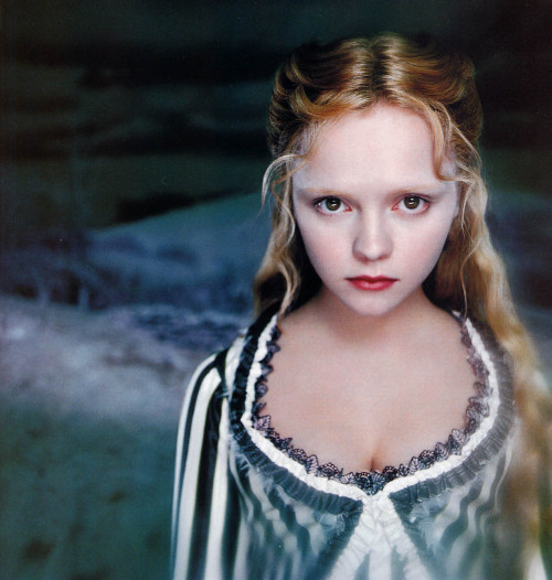 bohemea:  Christina Ricci - Sleepy Hollow