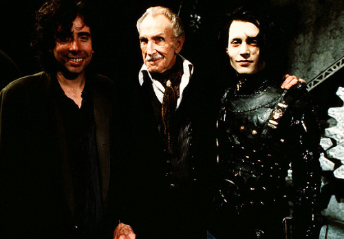 bbook:  suicideblonde:  Tim Burton with Vincent Price and Johnny Depp during the filming of Edward Scissorhands in 1990