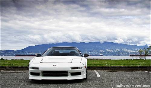 Lone cloud Starring: Honda NSX (by Mike Szmigielski)